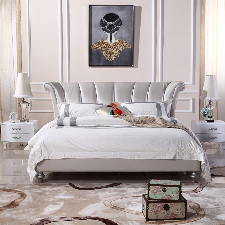 6 Strip Metallic Leather Platform Bed