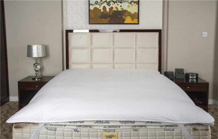 Hotel Mattress Pad (Mattress Protector) White